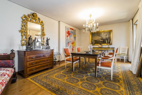 Apartment for sale in Madrid, Spain, 6 bedrooms, 414.00m2, No. 2470 – photo 4