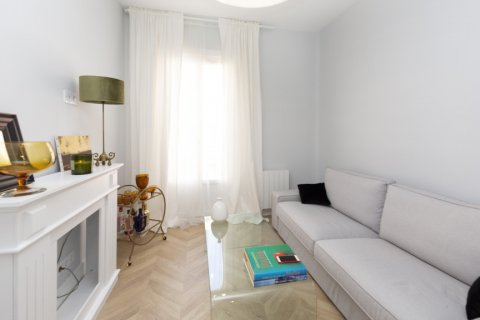 Apartment for sale in Madrid, Spain, 3 bedrooms, 69.00m2, No. 2315 – photo 2