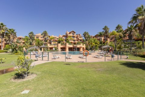 Penthouse for sale in Estepona, Malaga, Spain, 1 bedroom, 73.00m2, No. 2310 – photo 2