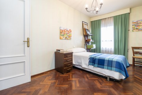 Apartment for sale in Madrid, Spain, 4 bedrooms, 189.00m2, No. 2370 – photo 13