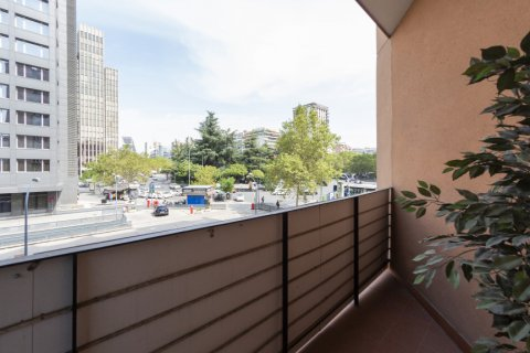 Apartment for sale in Madrid, Spain, 3 bedrooms, 127.00m2, No. 2281 – photo 29