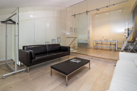 Duplex for sale in Madrid, Spain, 3 bedrooms, 150.00m2, No. 2671 – photo 3