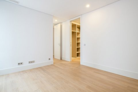 Apartment for sale in Madrid, Spain, 2 bedrooms, 157.00m2, No. 2070 – photo 22