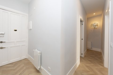 Apartment for sale in Madrid, Spain, 3 bedrooms, 69.00m2, No. 2315 – photo 10