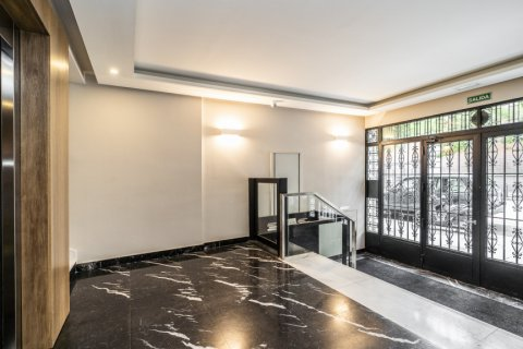 Apartment for sale in Madrid, Spain, 3 bedrooms, 185.00m2, No. 2630 – photo 15