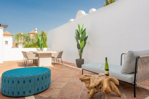 Apartment for rent in Marbella, Malaga, Spain, 2 bedrooms, 100.00m2, No. 2054 – photo 8