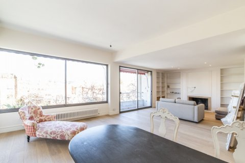 Apartment for sale in Madrid, Spain, 4 bedrooms, 251.00m2, No. 2527 – photo 1