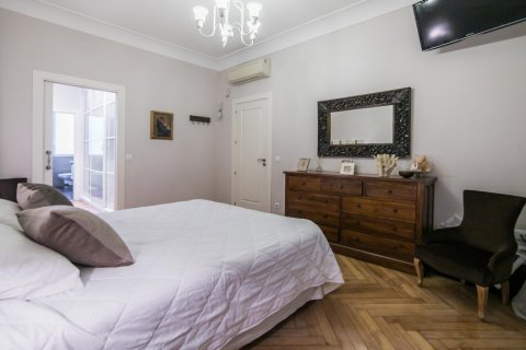 Apartment for sale in Madrid, Spain, 5 bedrooms, 236.00m2, No. 1569 – photo 25