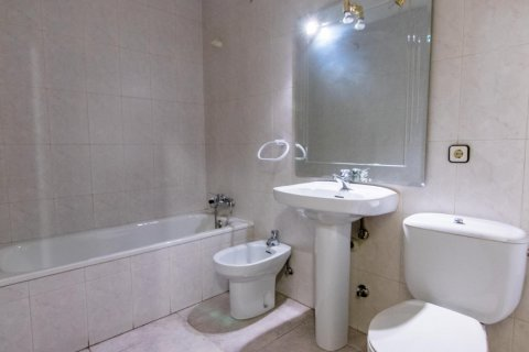 Apartment for sale in Madrid, Spain, 4 bedrooms, 261.00m2, No. 1652 – photo 25