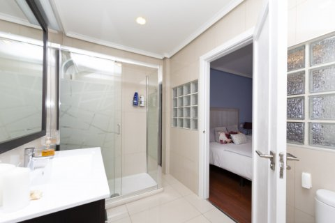 Apartment for sale in Madrid, Spain, 4 bedrooms, 418.00m2, No. 2200 – photo 11