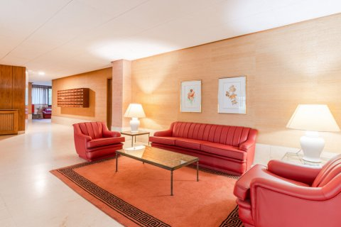 Apartment for sale in Madrid, Spain, 52.00m2, No. 2025 – photo 21