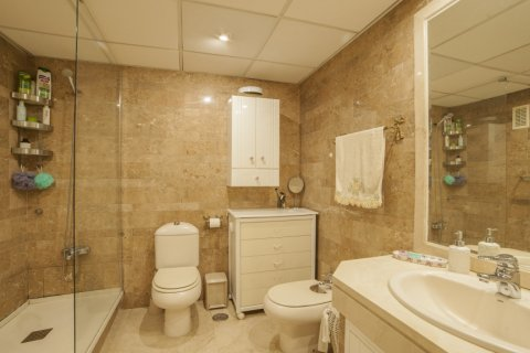 Apartment for sale in Sevilla, Seville, Spain, 3 bedrooms, 193.00m2, No. 2430 – photo 28
