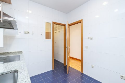 Apartment for rent in Madrid, Spain, 2 bedrooms, 120.00m2, No. 1464 – photo 10
