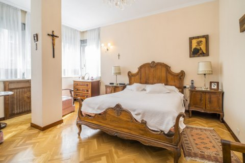 Apartment for sale in Madrid, Spain, 5 bedrooms, 181.00m2, No. 2706 – photo 21