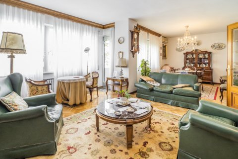 Apartment for sale in Madrid, Spain, 5 bedrooms, 181.00m2, No. 2706 – photo 4