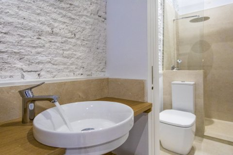 Duplex for sale in Madrid, Spain, 2 bedrooms, 125.00m2, No. 1549 – photo 19