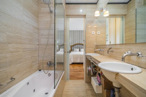 Apartment for sale in Madrid, Spain, 3 bedrooms, 122.00m2, No. 2678 – photo 22