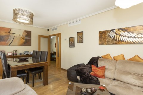 Apartment for sale in Madrid, Spain, 3 bedrooms, 134.00m2, No. 2622 – photo 8