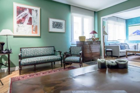 Apartment for sale in Madrid, Spain, 4 bedrooms, 230.00m2, No. 1672 – photo 10