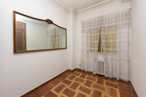 Apartment for sale in Madrid, Spain, 4 bedrooms, 129.00m2, No. 2307 – photo 17