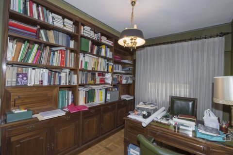 Apartment for sale in Madrid, Spain, 6 bedrooms, 216.00m2, No. 2002 – photo 14