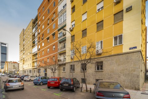 Apartment for sale in Madrid, Spain, 3 bedrooms, 88.00m2, No. 2453 – photo 2