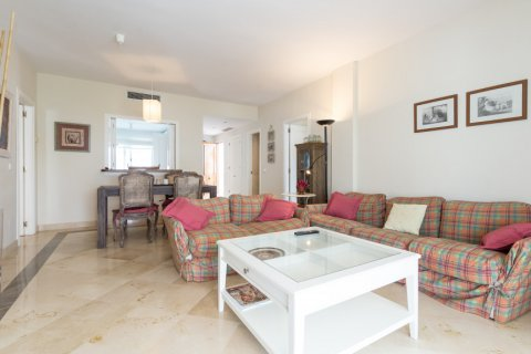 Penthouse for sale in Atalaya-Isdabe, Malaga, Spain, 2 bedrooms, 130.00m2, No. 1903 – photo 3