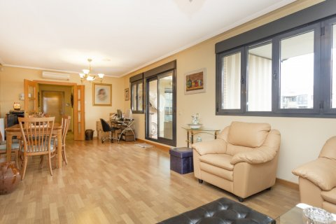 Apartment for sale in Getafe, Madrid, Spain, 4 bedrooms, 242.00m2, No. 2480 – photo 2