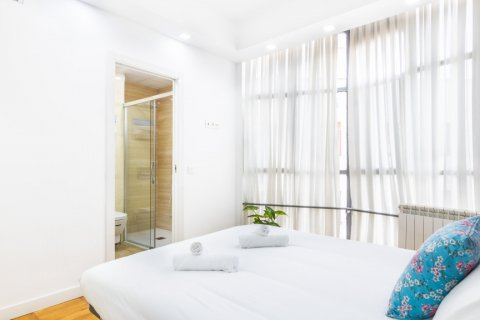 Apartment for sale in Madrid, Spain, 3 bedrooms, 100.00m2, No. 2540 – photo 23