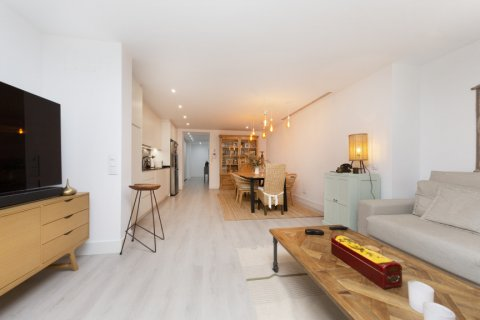 Apartment for sale in Madrid, Spain, 4 bedrooms, 218.00m2, No. 2124 – photo 2