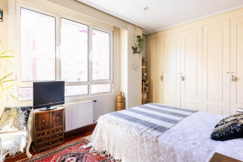 Apartment for sale in Madrid, Spain, 4 bedrooms, 152.00m2, No. 2702 – photo 24