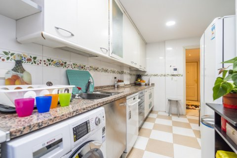 Duplex for sale in Madrid, Spain, 3 bedrooms, 152.00m2, No. 2445 – photo 28