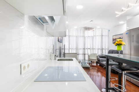 Apartment for sale in Madrid, Spain, 3 bedrooms, 100.00m2, No. 2540 – photo 11