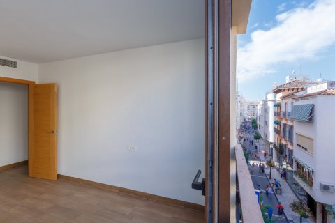 Penthouse for sale in Estepona, Malaga, Spain, 3 bedrooms, 100.65m2, No. 1716 – photo 1
