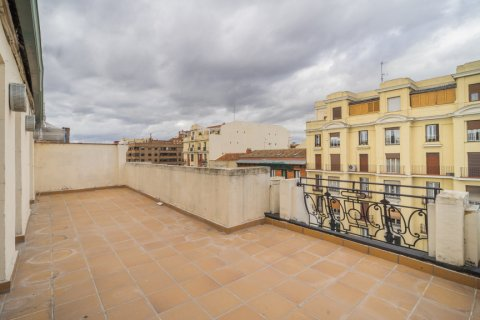Penthouse for sale in Madrid, Spain, 2 bedrooms, 175.00m2, No. 2040 – photo 3