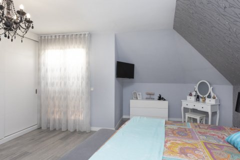 Apartment for sale in Parla, Madrid, Spain, 3 bedrooms, 133.00m2, No. 2615 – photo 23