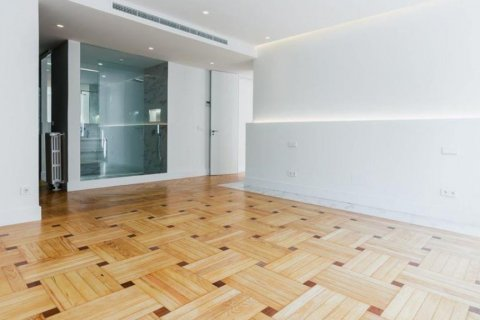 Apartment for rent in Madrid, Spain, 4 bedrooms, 348.00m2, No. 2010 – photo 15