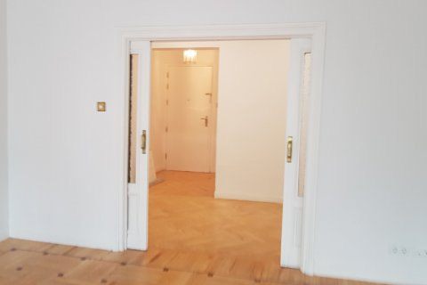 Apartment for rent in Madrid, Spain, 3 bedrooms, 168.00m2, No. 2435 – photo 13