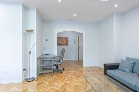 Apartment for sale in Madrid, Spain, 3 bedrooms, 147.00m2, No. 2026 – photo 25