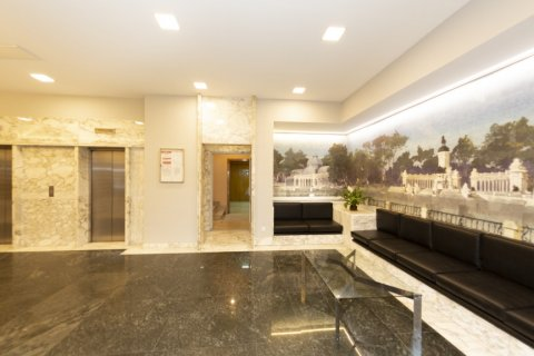 Apartment for sale in Madrid, Spain, 4 bedrooms, 218.00m2, No. 2124 – photo 30