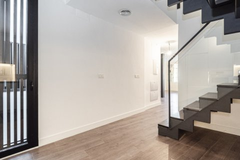 Duplex for sale in Malaga, Spain, 2 bedrooms, 104.00m2, No. 2413 – photo 11