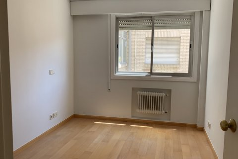 Apartment for rent in Madrid, Spain, 4 bedrooms, 180.00m2, No. 1843 – photo 20