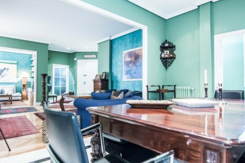Apartment for sale in Madrid, Spain, 4 bedrooms, 230.00m2, No. 1672 – photo 14