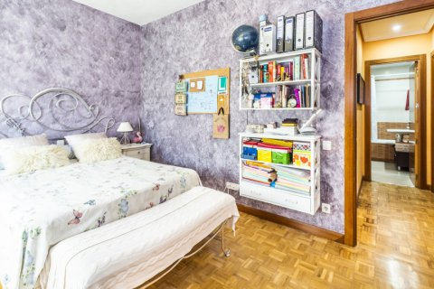 Apartment for sale in Madrid, Spain, 5 bedrooms, 232.00m2, No. 2190 – photo 20