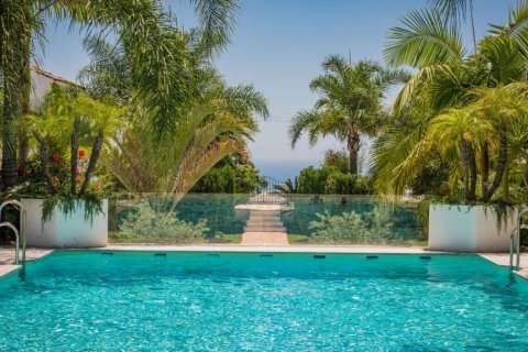 Apartment for rent in Marbella, Malaga, Spain, 2 bedrooms, 100.00m2, No. 2054 – photo 1