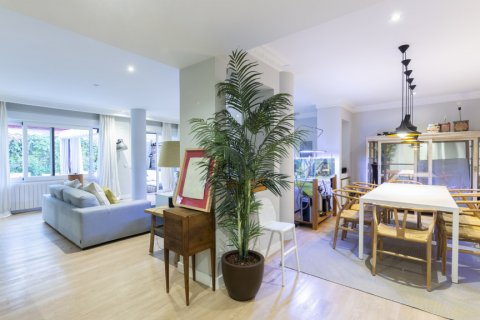 Apartment for sale in Madrid, Spain, 4 bedrooms, 330.00m2, No. 2353 – photo 3