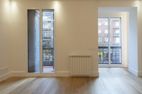 Apartment for sale in Madrid, Spain, 2 bedrooms, 102.00m2, No. 1972 – photo 1