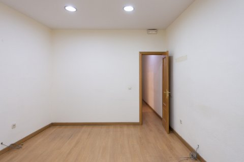 Apartment for sale in Madrid, Spain, 3 bedrooms, 120.00m2, No. 2439 – photo 19