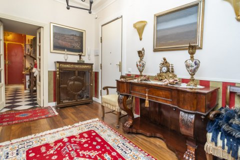 Apartment for sale in Madrid, Spain, 3 bedrooms, 166.00m2, No. 2286 – photo 22