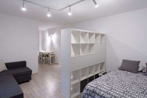 Apartment for sale in Madrid, Spain, 1 bedroom, 47.00m2, No. 2337 – photo 3